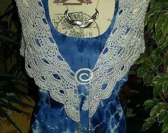 Shawl with silver yarn