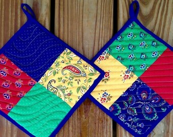 Handmade Quilted Pot Holders, Set of 2, Navy and Green Pot Holders, Square Pot Holders, Fabric Hot Pads, Hanging Pot Holders, Fabric Trivets