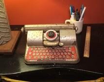 Vintage Berwin Superior Toy Typewriter Tin Lithograph Ellcraft Industries New York 1940s