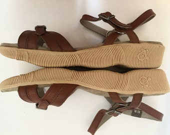 Vintage 1970s Famolare Get Lite Sandals / 70s Wavy Sole Shoes / Brown Leather Ankle Strap Sandals / size 10N / Made in Italy / Like New