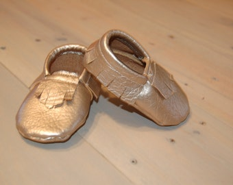 Pearl Gold Baby Moccasins   Baby Shoes   Infant   Toddler   Vegan  Helmi Made