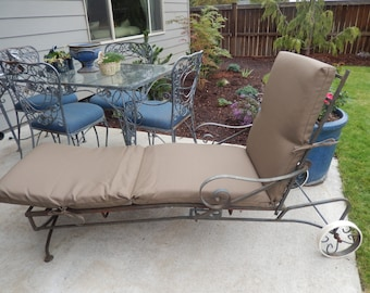 IRON CHAISE LOUNGE Patio Furniture with Cushion