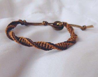 Double spiral leather bracelet