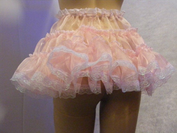 Women Wearing Frilly Clothing Videos 96