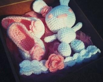 Crochet baby set - shoes,headband,rabbit