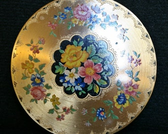 Beautiful Gold Tone Vintage Powder Compact with Flowers Design