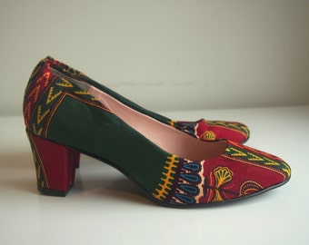 Dashiki high heel court shoes/pumps, red and green African print, size 39