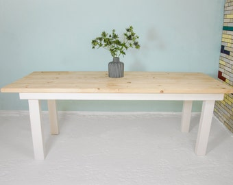 Table SPRENGEL from recycled planks