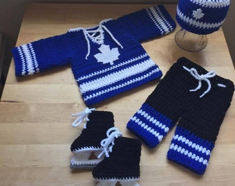 Crochet baby hockey jersey *jersey pattern only*