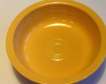 VERY RARE, OLD vintage genuine Fiesta ware serving bowl by Homer Laughlin Co from 1936-1951 in excellent condition. Fiestaware serving bowl.
