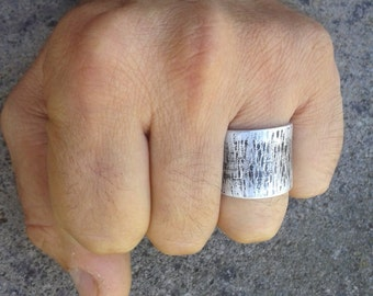 Ring. ring woman. band ring open. Forged, hammered, satin and polished by hand, recycled aluminum jewelry