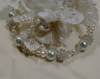 Silver sparkles and pearls