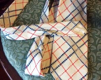 1970s Vintage Men's Neck Tie, A Happy Tie- Don't Give Up the Ship, Retro Tie, Hipster Neck Tie, Wide tie