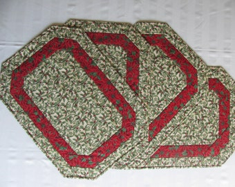 Swirling Holly Placemats