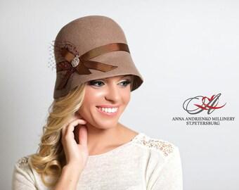 Fashion designer milliner light brown beige  felt cloche women hat  handmade 1920, cloche style Charleston. AA