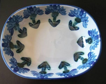 Louisville stoneware bachelor's buttons serving bowl