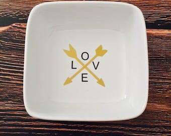 LOVE Ring Dish - Arrow Ring Dish