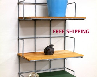 3 Tiered Shelf//Shelving//Shelves//Wire//Wood//Industrial//Geometric//Modern//Wire shelving//Geometric shelving//Industrial shelving