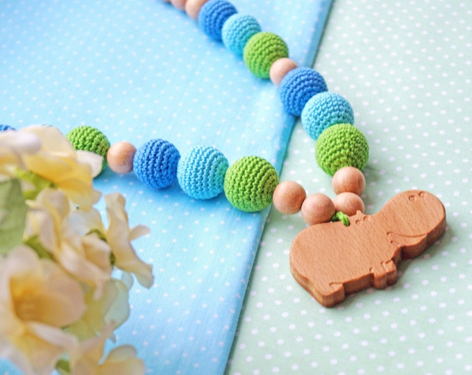 Nursing necklace / Teething necklace / Babywearing necklace with a pendant