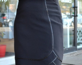 Black pensil skirt with layers