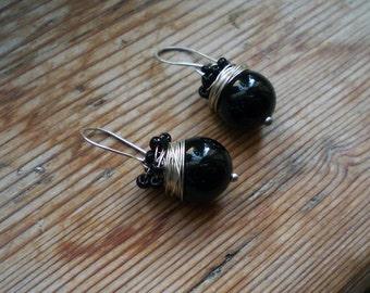 Black onyx earrings / onyx earrings / onyx and silver earrings / silver earrings