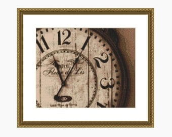 Cross Stitch Pattern, cross stitch modern, Old Clock - Fleur de Lis pattern