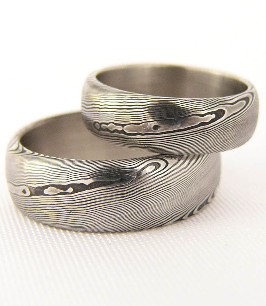 Rubir a pair of damasteel wedding rings/damascus steel