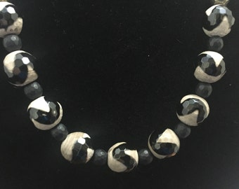 Tibetan Agate and Onyx Necklace