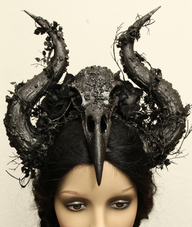 Lucifer Hindi: WGT Horns Demon Hells Devil Dark Black Gothic Raven Skull