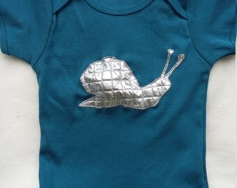 Squeaky Snail tee 12-18 months