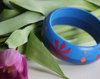 Geometric flower hand-painted wooden bracelet.  birthday gift for her. gift for women. gift women. anniversary gift for her