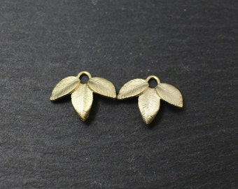 P0168/Anti-Tarnished Matte Gold Plating Over Brass/Three leaves pendant/14.7 x 12.7mm/4pcs