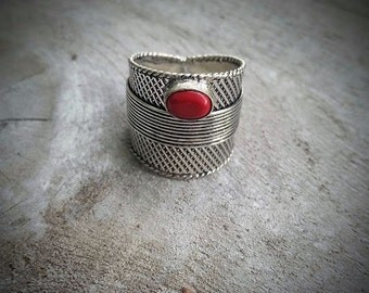 Vintage Ring/Red/925 Silver Plated/WYRD by Design