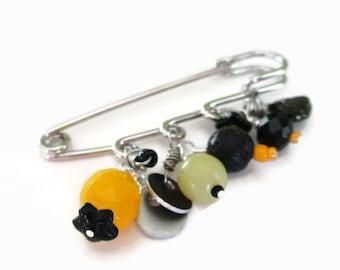 shawl pin beaded in yellow,black and silver tone kilt pin