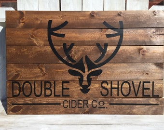Custom logo design on wooden pallet sign, wooden pallet sign, custom logo design sign