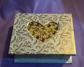 ivory and gold trinket or jewellery box with inset heart