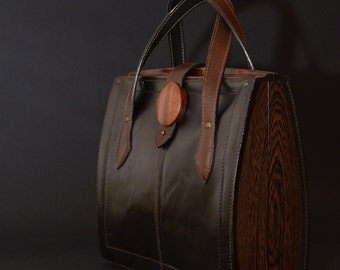 Eko wood. Bag and style