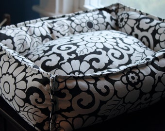 "Pet Bed- Black/White Floral small ""Cuddle"" size"