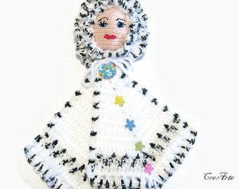 Black and White crochet doll potholder, presina bambola bianca e nera all'uncinetto