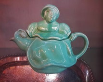 Rare REDWING POTTERY TEAPOT #260 Dutch Woman Green Color Gorgeous Condition Collectible Usa Pottery