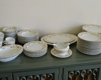 TK Thun Bohemia Czechoslovakia Rosemary China 88 Pieces