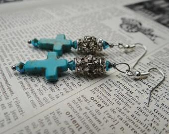 Hand Made Turquoise Crucifix with Swarovski Crystals, Rhinestone Rondelles and Rhinestone 'Disco' Ball Earrings – NRU079