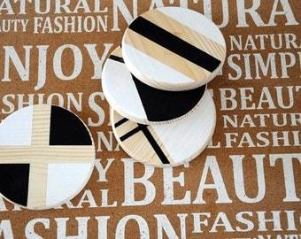 Wood Coasters geometric set of 4 black