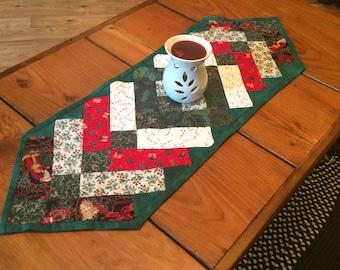 NEW Holiday Table Runner, Christmas Runner, Holiday Linen, Braid,