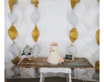Metallic crepe frilly streamers