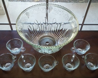 Glass Punch Bowl and 7 Cup Set, Great Condition