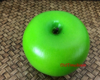Green Apple Artificial Lifelike Simulation Faux Fake Fruit