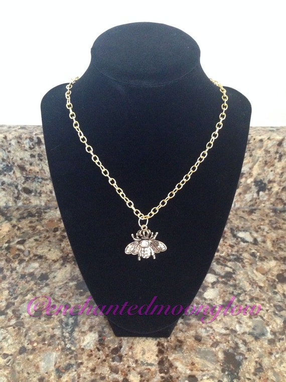 beyonce bee necklace