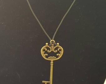 Handmade, non-ajustable, skeleton key pendant necklace