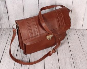 Vintage Brown Leather Bag/ Made In Ireland/ Leather Messenger/Cross Body Bag/Long Strap spacious brown bag with mirror/Irish Vintage Handbag